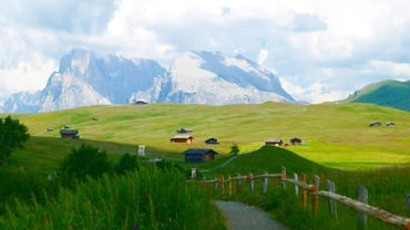 Hiking in the Pastures of South-Tyrol